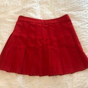 Aritzia red pleated skirt